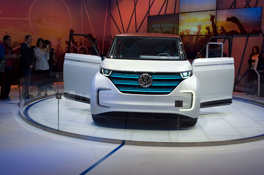 Volkswagen Budd-e Concept, an all-electric 373-mile van