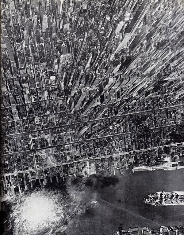Aerial view of Manhattan by photographer Andreas Feininger.